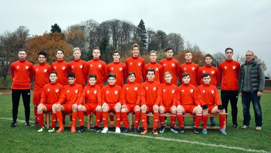 Mannschaftsfoto TSV Flintbek - Fußball - U17 - 2018