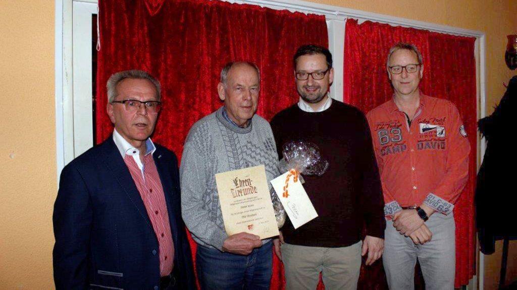 Peter Voss (2.v.li.) ist dem TSV Flintbek schon seit einem halben Jahrhundert verbunden.