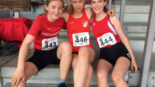 800m Hürdenläuferinnen - Mathilda, Fine und Lea