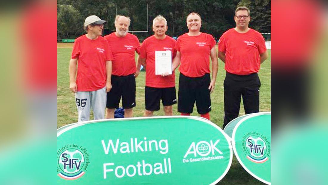 Walking Football Mannschaft feiert gelungene Premiere