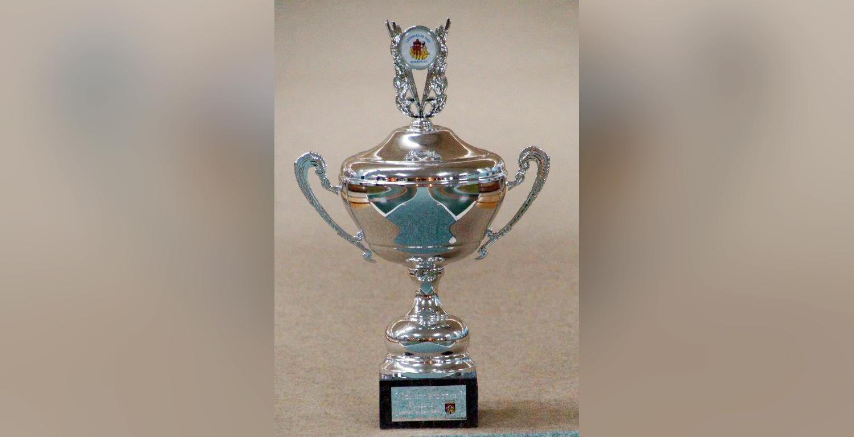 01_Der begehrte Pokal